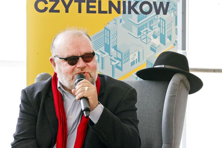 "Paweł Huelle podczas dyskusji ""Kultura Fetyszu""."