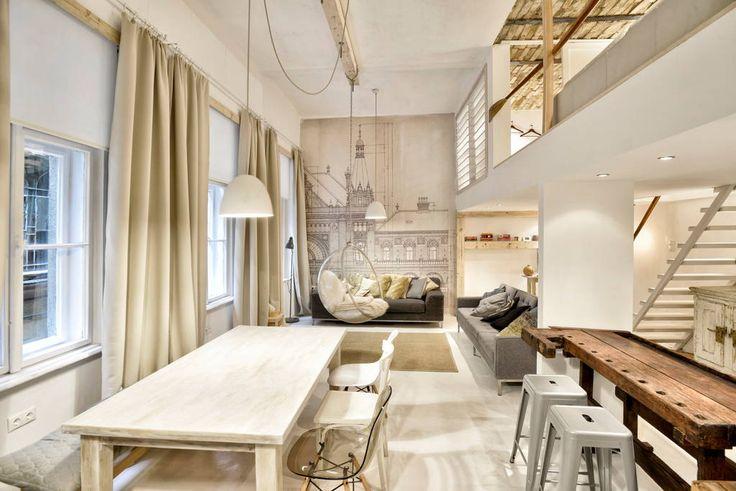 Échale un vistazo a este increíble alojamiento de Airbnb: Designer apt withAC/center downtown - Departamentos en alquiler en Budapest