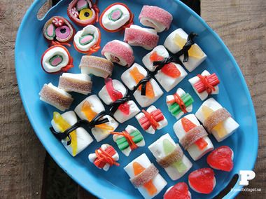 Godis sushi / Candy sushi - Find & Craft Oh my word, I may just have to make a plate of candy sushi for the kids in our co-op when we cover Japan, China and the East. So FUN