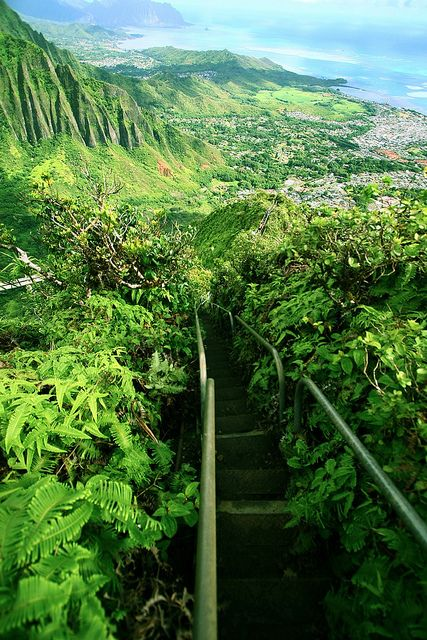 Haiku Stairs - Stairway to heaven, Oahu, Hawaii