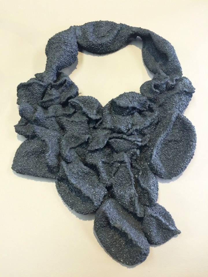 Marzee graduation show 2015 - - Francesca Uriciuoli - State University of New York, New Palz - collana fatta  di silicone e polvere di ferro