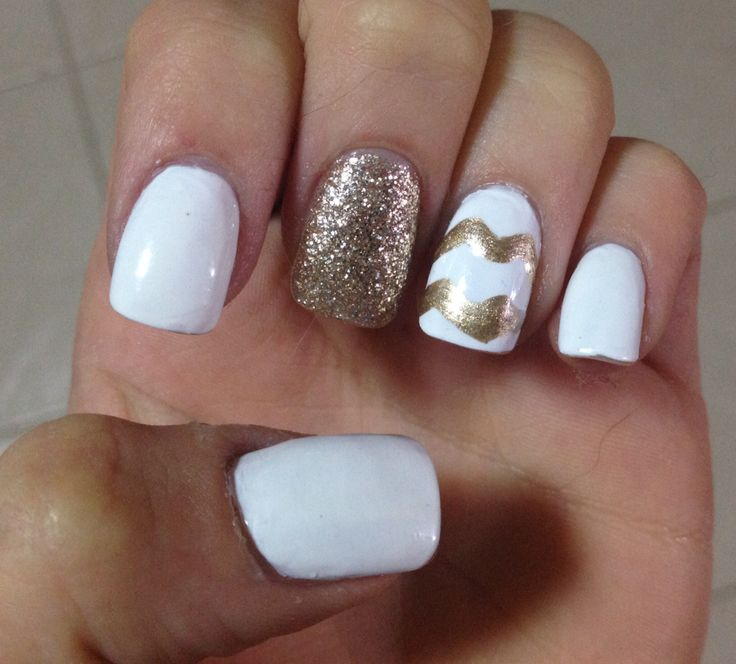 white nails with gold accent and gold chevron gorgeous