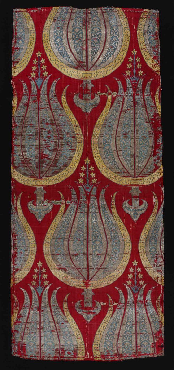 Silk with stylized tulips, Turkey, second half of 16th century