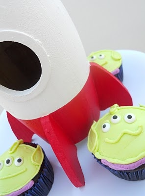 alien cupcake toy story