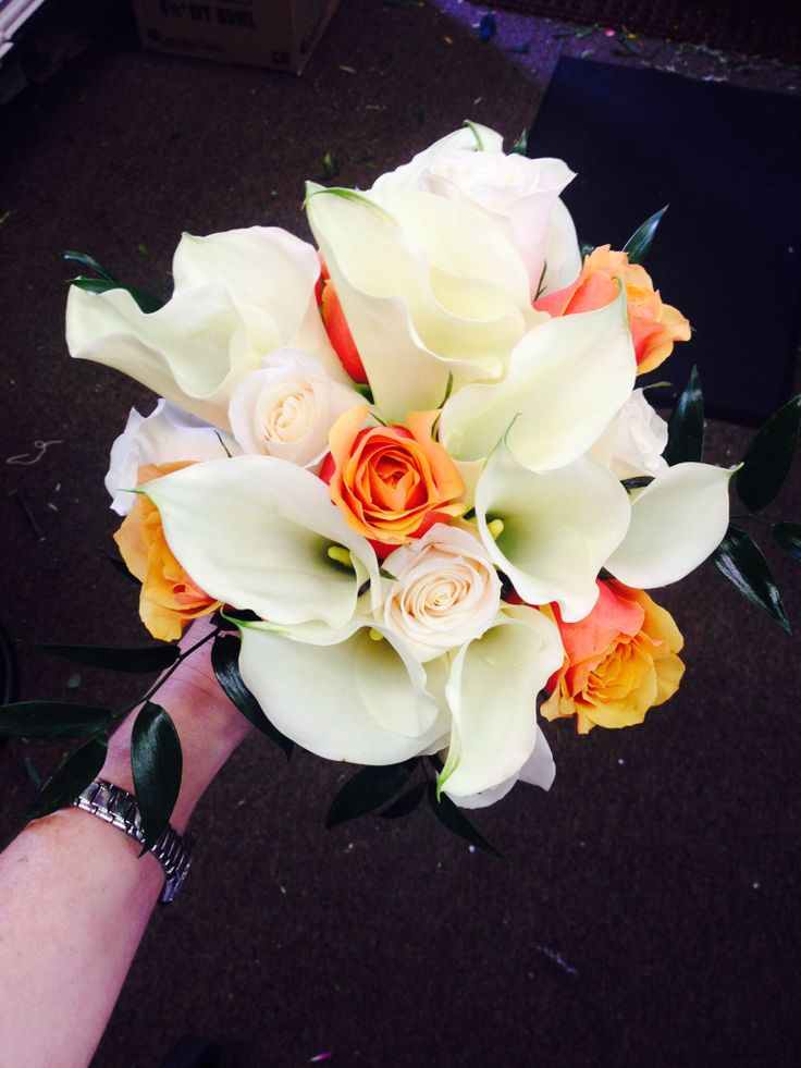 Calla Lilly and rose bouquet