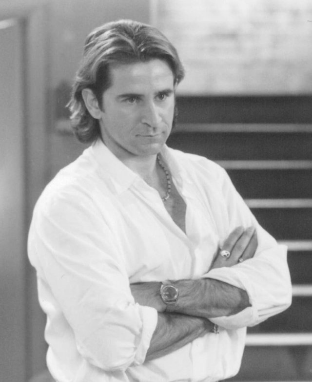 Anthony LaPaglia in Empire Records