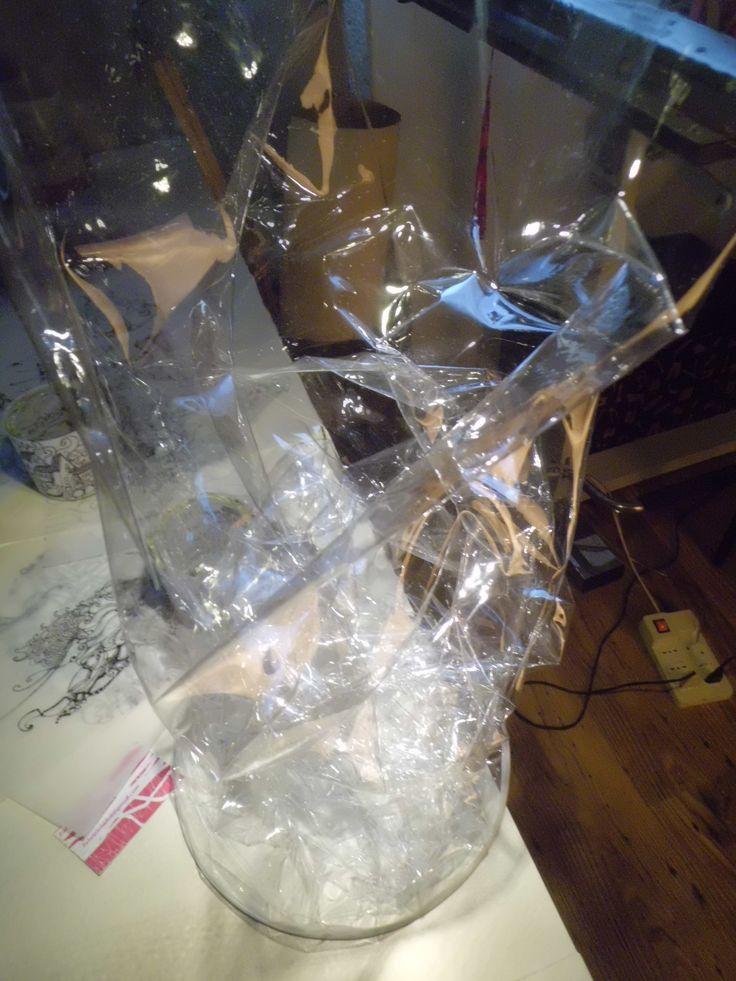 LAMPADA IN PVC TRASPARENTE. dimensioni altezza 130 cm diametro 26 cm