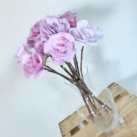 Bouquet de onze roses rose en papier