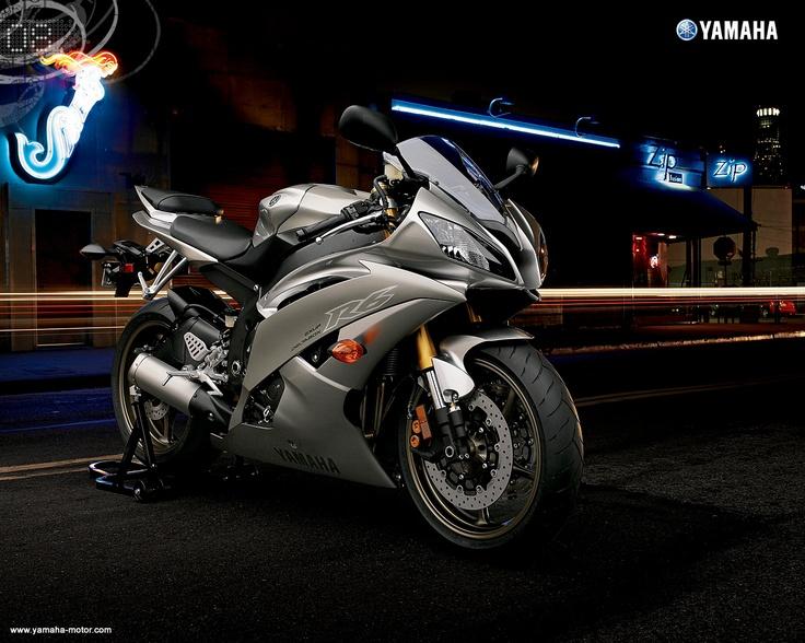 Yamaha R6 Silver