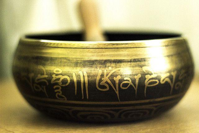 Il existe différents bols tibétains. On en retrouve actuellement au Népal, en Inde, au Bhutan et évidemment au Tibet.En résumé, on vous parlera de 10 points importants reliés aux bols :