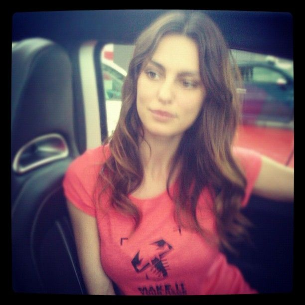 Catrinel Menghia, Abarth 500 super bowl actress here with us! Do you have any questions for her?