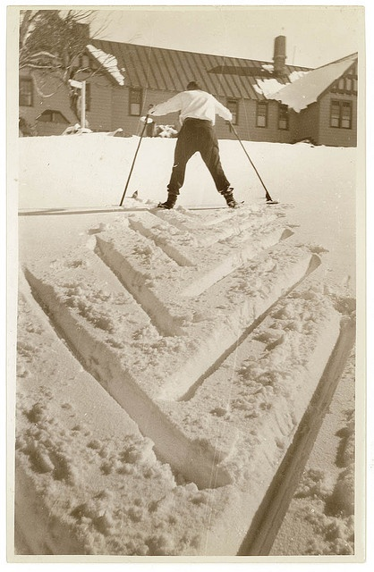 Skiing and snowfields, c. 1930s, by Sam Hood   Find more detailed information about this photographic collection: http://acms.sl.nsw.gov.au/item/itemDetailPaged.aspx?itemID=153764  From the collection of the State Library of New South Wales http://www.sl.nsw.gov.au