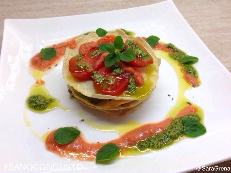 scoprite la #ricetta del #Millefoglie di #carasau con #pomodorini e #pesto su sanocongusto.blogspot.it vi assicuro che è una delizia ;) La millefoglie di carasau con pomodorini e pesto è un antipasto freddo, leggero