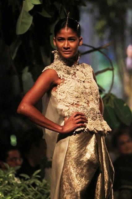 Stylefluid Trendz: Anamika Khanna:PCJ Delhi Couture Week 2013
