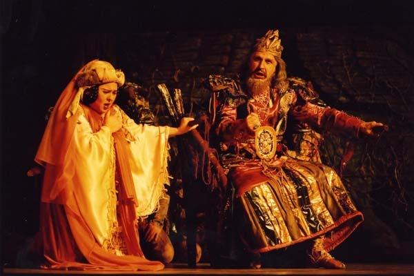 Nabucco - die weltbekannte Oper von Giuseppe Verdi. Vom 27.06.13 bis 21.07.13 an diversen Spielorten. Tickets: http://www.ticketcorner.ch/nabucco