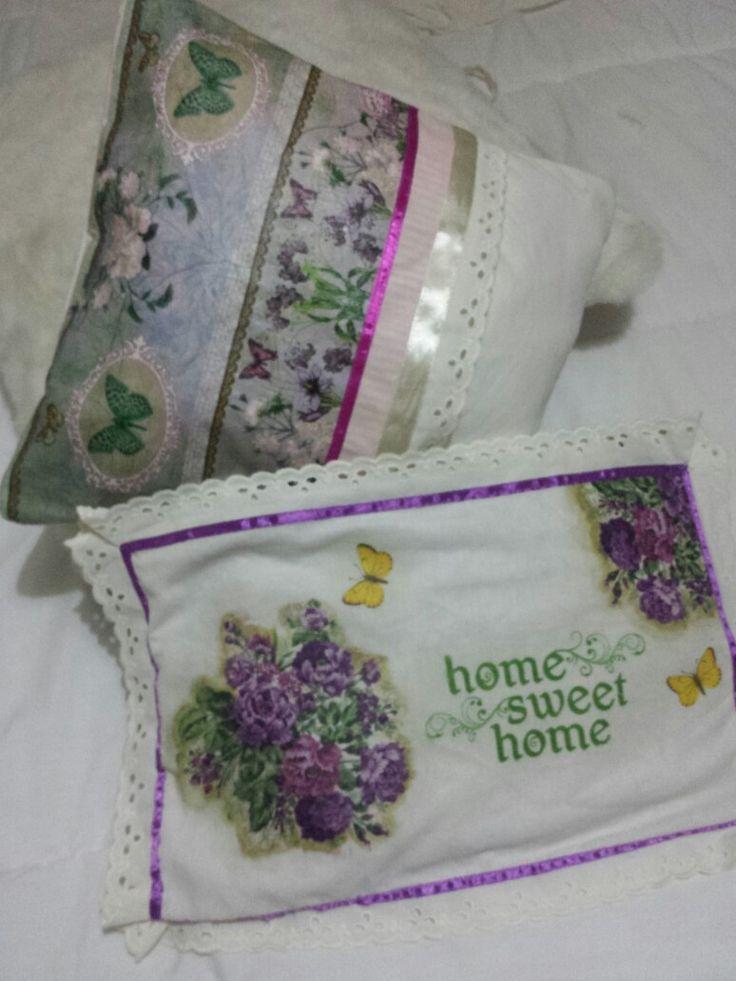 almohadon decoupage con servilleta