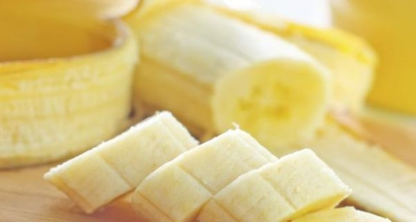 This banana mix is extremely beneficial in the treatment of persistent cough and bronchitis. It is great for curing these issues in children, but it can also be used by adults.     The delicious and healthy banana combination is amazing for the stomach as well. What's more, its preparation is easy and quick. (why the sugar, bananas are naturally sweet?)