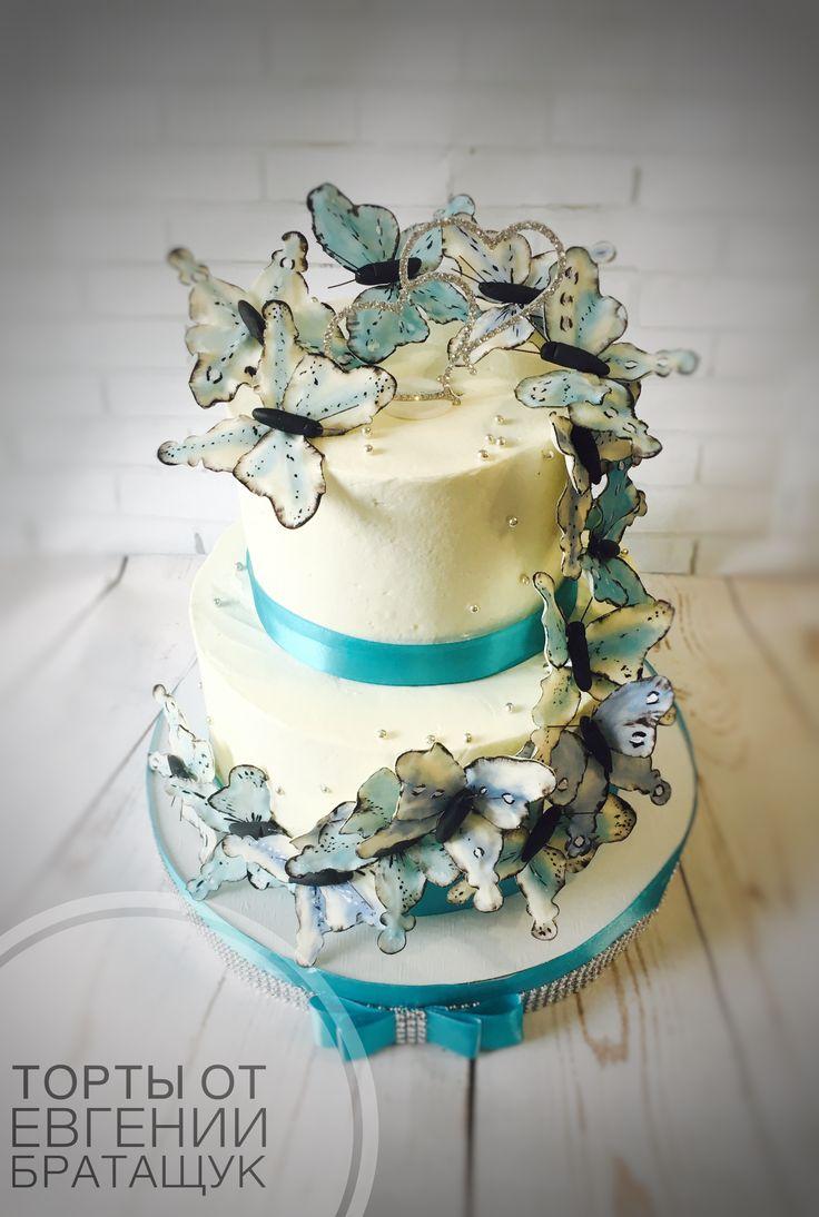 Свадебный торт с бабочками, цвет тиффани