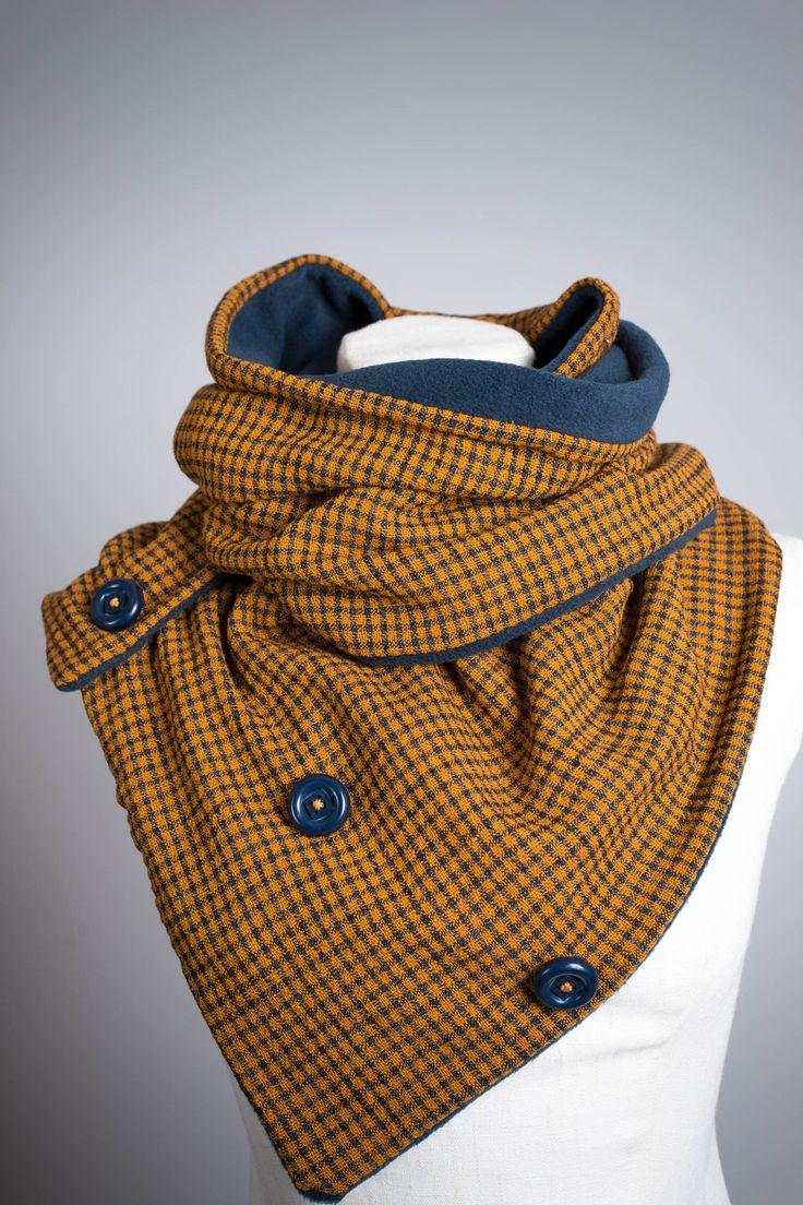 Echarpe à trois boutons doublée en polaire : Echarpe, foulard, cravate par mamzellebulle-boutique