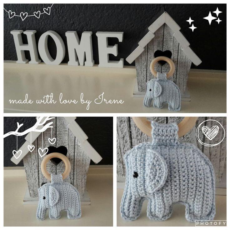 Irene haakt: Bijtring met olifantje gehaakt gehaakte haakpatroon haak patroon gratis rammel rammelaar hout houten