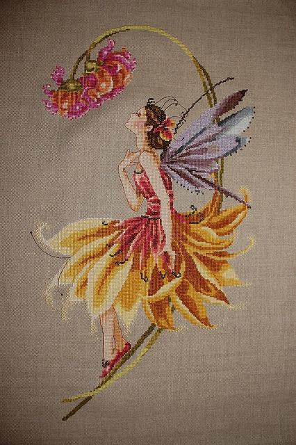 Mirabilia - petal fairy