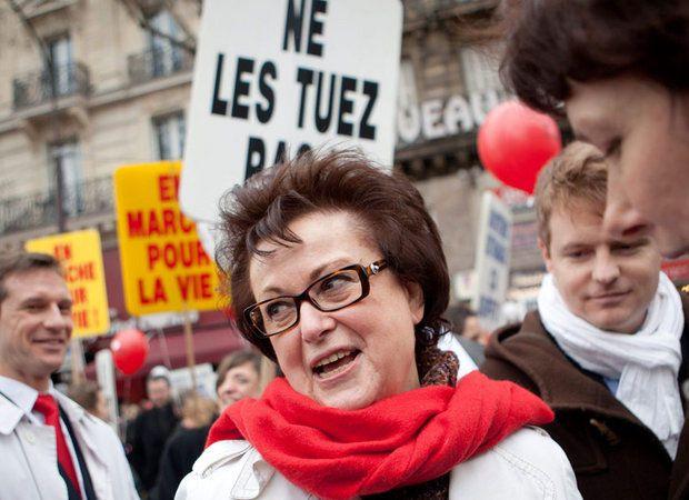 La dernière de Christine Boutin : «l'avortement est un homicide» Je vois, avec regrets, que la mobilisation du 30 avril, «Je porte plainte contre Christine Boutin» n'a pas fait la une, ni le buzz espéré, mais «elle» , la Christine a encore réussi à faire parler d'elle : la faute aux médias.
