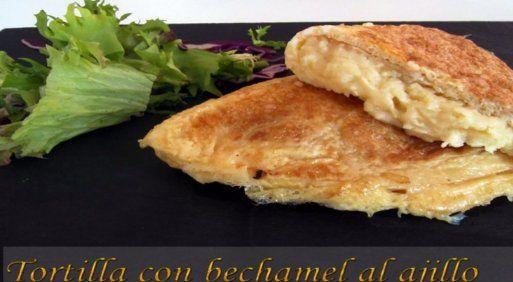 Tortilla rellena con bechamel al ajillo