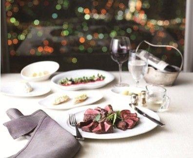 월간 호텔&레스토랑) N 서울타워에서는 9월 17일까지 와인과 관련한 다양한 행사를 마련해 '와인 위크'를 벌입니다! 13일에는 '더 플레이스 다이닝'에서 코스메뉴 3가지와 함께 와인 강의를 들려주는 '와인클래스'가 펼쳐진행되고, 14일에는 '엔그릴'에서 7가지 모든 코스에 최상의 궁합을 이루는 와인이 함께 제공되는 '와인 메이커스 디너'를 진행합니다^^ 그리고 15~17일 3일 동안에는 남산타워 광장에 차려진 와인 부스에서 70여 종의 와인 시음과 음악 공연을 즐길 수 있는 '와인 페어 & 공연'을 선보인다고 합니다~!