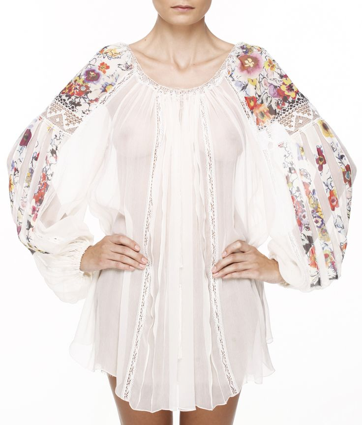 Valentina Vidrascu adorable romantic blouse