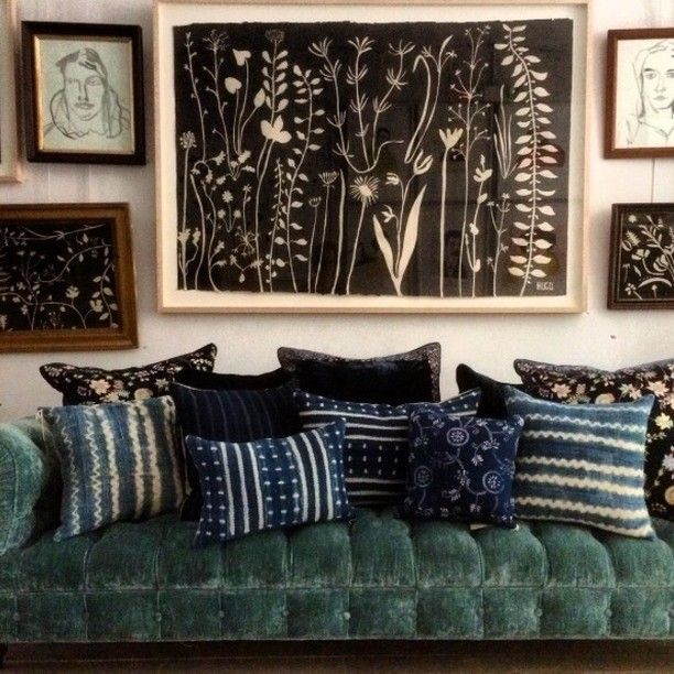 John Derian Brook sofa for Cisco in aqua linen velvet. Silk velvet #AnkeDrechsel & vintage west African textile pillows. Hugo Guinness Art