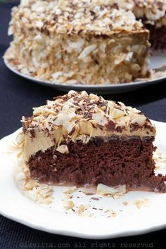 Gâteau tres leches au chocolat avec garniture au caramel