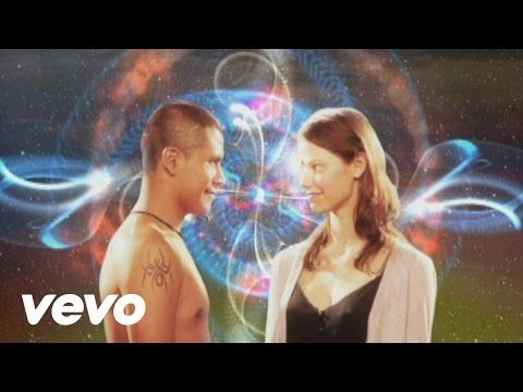 Calle 13 - Muerte En Hawaii - YouTube