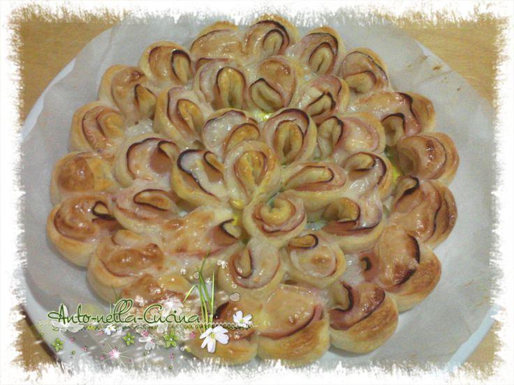 Questo Crisantemo dolce o salato, sta spopolando sul web. Tempo fa lo fatto anch'io sotto un'altro nome,Pan brioche arcobaleno. Ieri sera ho voluto prova