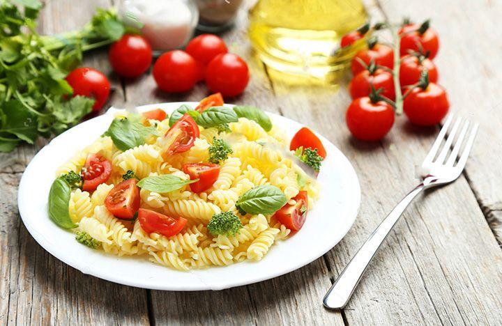 Her çeşidi yapılan makarna ile çok güzel bir makarna salatası yapabilirsiniz.