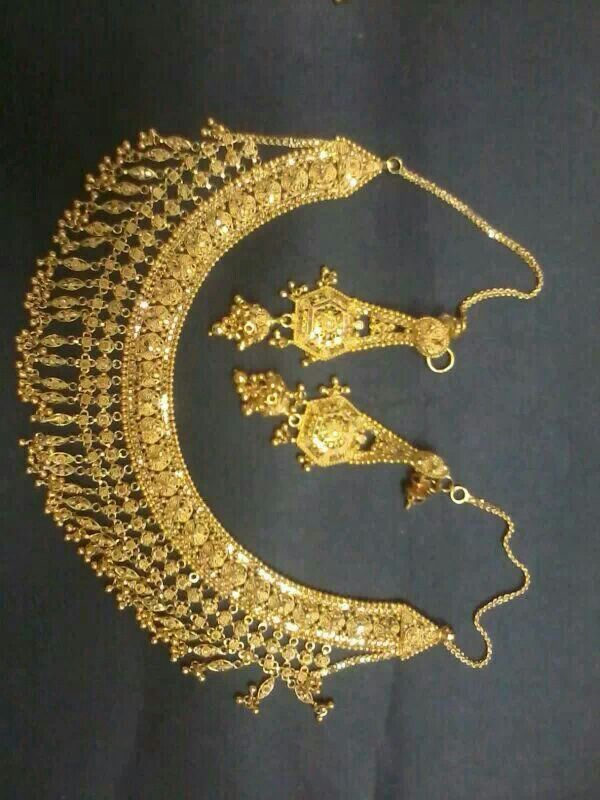 Indian Traditional necklace in22ct gold http://emurli.com/shop/gold-jewellery/haar-9/