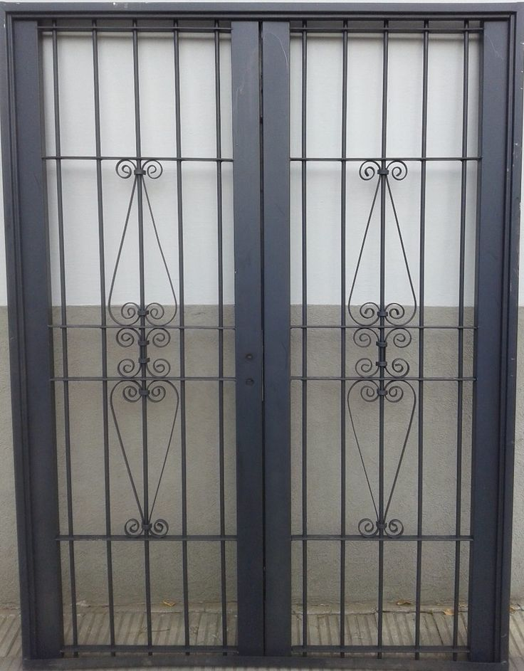 7 best images about rejas on pinterest patio granada for Puertas para patios modelos