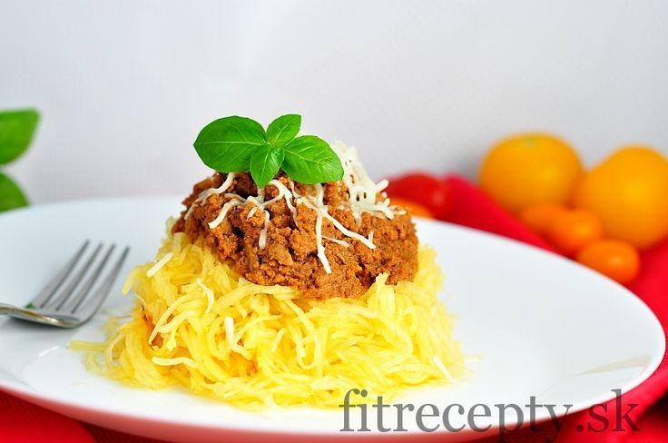 """Tekvicové """"špagety"""" s mletým morčacím mäsom v paradajkovej omáčke - FitRecepty"""