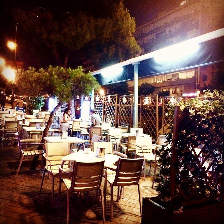 En la #Terraza de #SaldeHielo se detiene el tiempo y te introduces en un #oasis de #tranquilidad donde #disfrutar de una  #Carta #deliciosa / #Pinchos / #Raciones / #Combinados y mucho más... a un  #Precio #increíble y  ¡ #SIN #SUPLEMENTO !  MISMOS PRECIOS EN TERRAZA Y EN LOCAL. http://saldehielo.es/ #SaldeHieloTerraza #noches #madrid #restaurante #restaurantesmadrid #encanto #food #foodies #madridfoodies #foodiesmadrid #gastro #yummy #delicious #gourmet #delicatessen