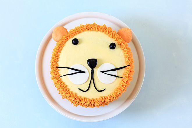 How to make a lion birthday cake