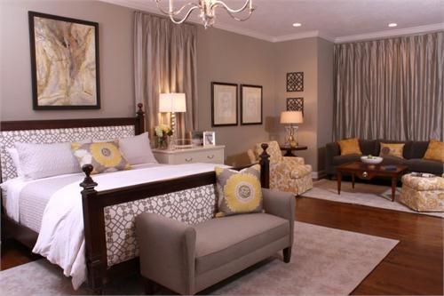 Casual Contemporary Bedroom by Susan Victor on HomePortfolio: Wall color