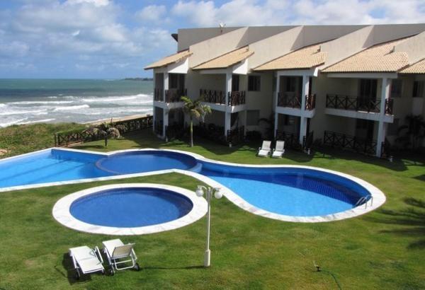 Natal-RN: Aluguel de temporada Búzios Beach Club, condomínio a beira mar com piscina privada. Dois quarto, um banheiro, acomoda quatro pessoas. Acessos especiais para cadeirantes.