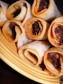Recipe Crisp Meat Burritos by The Recipe Review -     close to crisp meats from amigos! gunna have to try it out!
