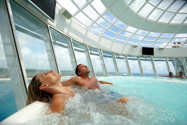Sit back and relax in our cantilevered whirlpool jacuzzi onboard Oasis of the Seas #cruising #travel