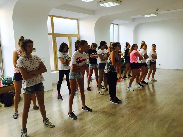 Cursuri de Streetdance bucuresti #streetdance #cursuridedans Www.stop-and-dance.ro