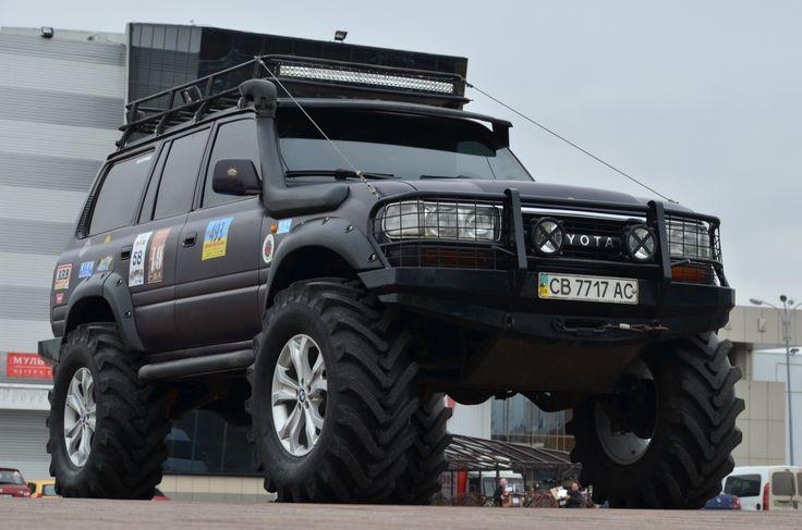 Полное восстановления кузова.Toyota land cruiser 80 axles Volvo c303 portal, установлены мосты Volvo c 303 laplander с передаточным числом в редукторах 6.0. Изготовления силовых бамперов на лендкрузер 80,силовые подножки.Пружины и амортизаторы OLD MAN EMU +2. Установлены две лебедки перед и зад ComeUp 12000.Мотор 4.2D - VIP-LIM.COM.UA