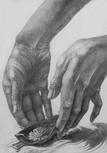 손(인체) & 꽃(자연물)