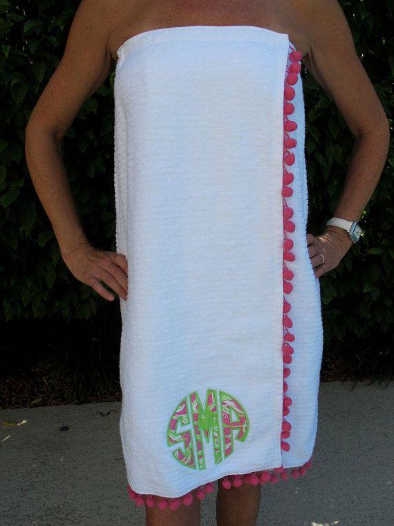 lilly pulitzer circle monogram applique towel wrap with pom pom fringe on Etsy, $42.50