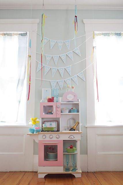 LOVE this bun in the oven party! so cute with the play kitchen set up