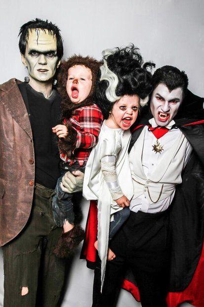 Grusel-Kostüme: Schaurig und schön: Neil Patrick Harris und David Burtka mit den Zwillingen Gideon Scott und Harper Grace.