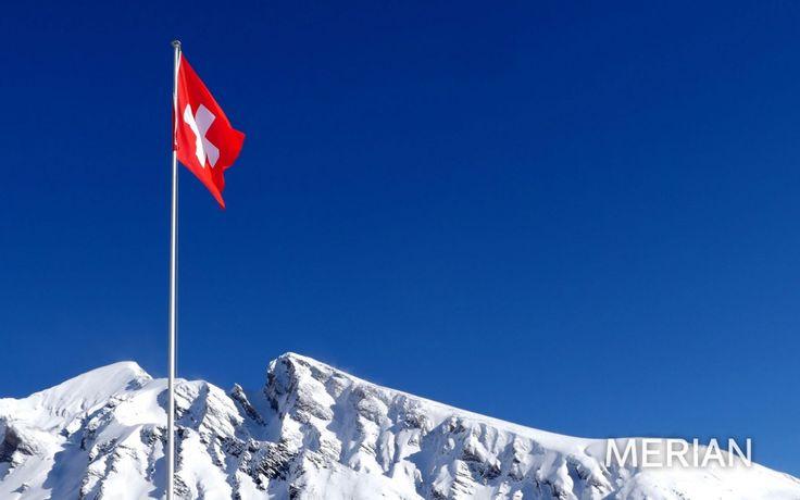 Leuchtet: Schweizer Flagge im Schnee